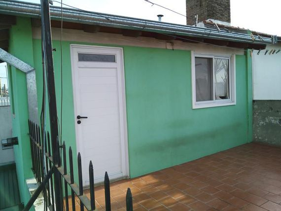 "Casa con Local - <span itemprop=""addressLocality"">Temperley</span> Este"