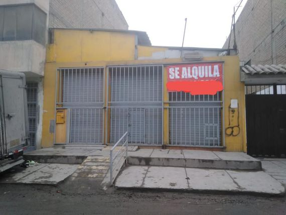 Local Comercial Frente Mercado Ateca