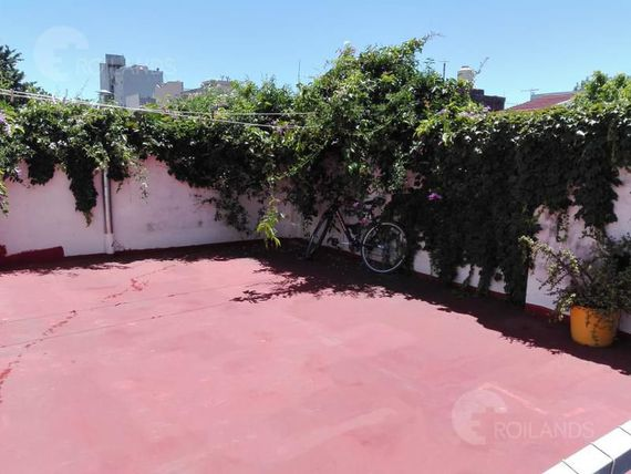 PH en venta, 3 ambientes patio en Coghlan