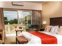 Suite a la VENTA en Hotel Howard Johnson Carilo