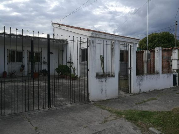 Intersindical  100 - $ 2.000.000 - Casa en Venta