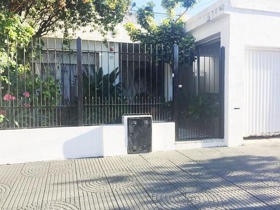 IMPECABLE CASA EN VILLA BALLESTER