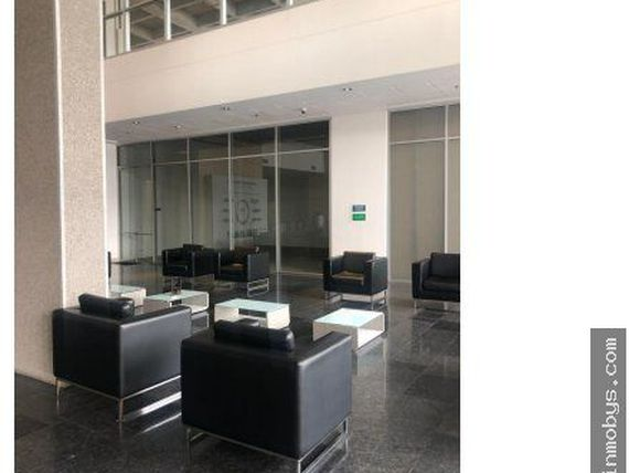 Arriendo Local  de 65 m2 en Ed. ZF TOWERS