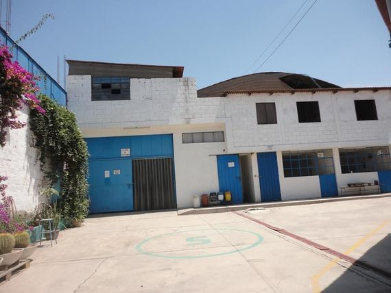 Vendo Local Industrial en Av Industrial Tacna