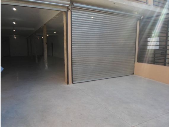 VENTA de LOCAL en PALOMAR FINANCIADO
