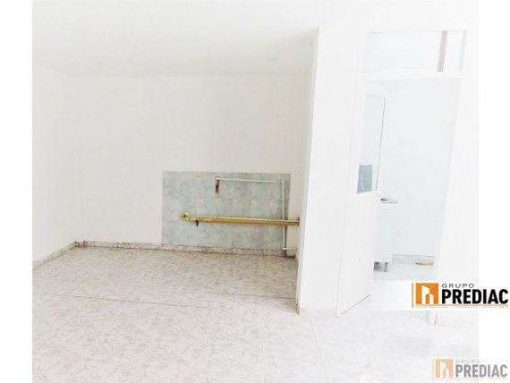 ARRIENDO - LOCAL INTERIOR EN LA ESMERALDA - BOGOT