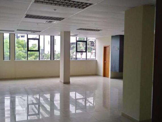 O04 - Alquiler Oficinas Sector Kennedy Guayaquil - Alquilo
