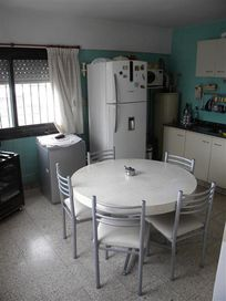 IMPECABLE PISO 5 ambientes + balcon