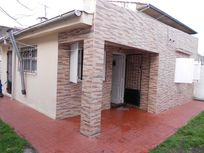 Ph de 3 ambientes con patio, barrio Los Andes