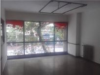 Vendo local con oficinas  av colon al 440