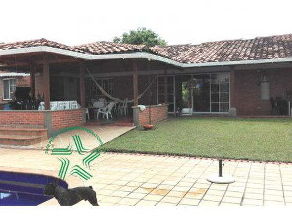 Vendo Country House Cerritos Pereira