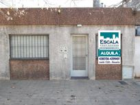 CASA CON PATIO GAS NATURAL ALBERDI AL 300