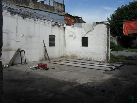 "LOCAL FRENTE A COTO <span itemprop=""addressLocality"">Temperley</span>. LOTE 8,66X50. TOTAL 440m2.-"
