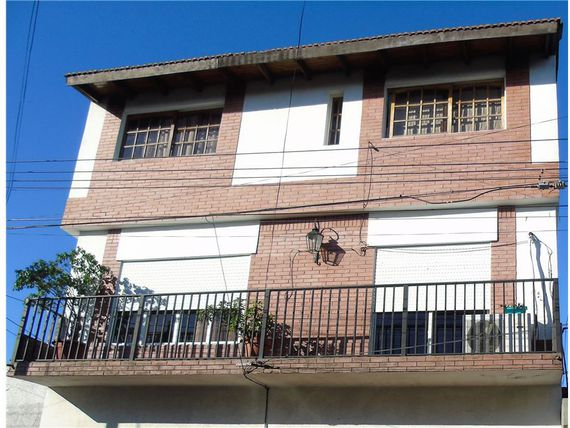 MORON PH DEPARTAMENTO 5 AMBIENTES IMPECABLE