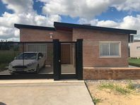 CASA 2 DORMITORIOS FUNES CITY IMPECABLE