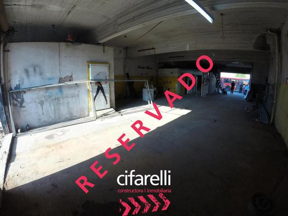 Local 150 m2 cubierto 250 totales