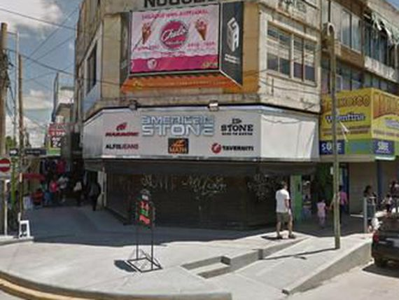 "IMPORTANTE LOCAL CON RENTA EN ESQUINA - <span itemprop=""addressLocality"">Los Polvorines</span>"