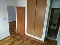 IMPERDIBLE OPORTUNIDAD! Departamento de 1 dormitorio en Balcarce al 500