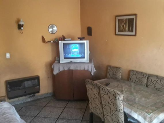 VENTA PH 4 AMBIENTES CON PATIO  EN MORÒN
