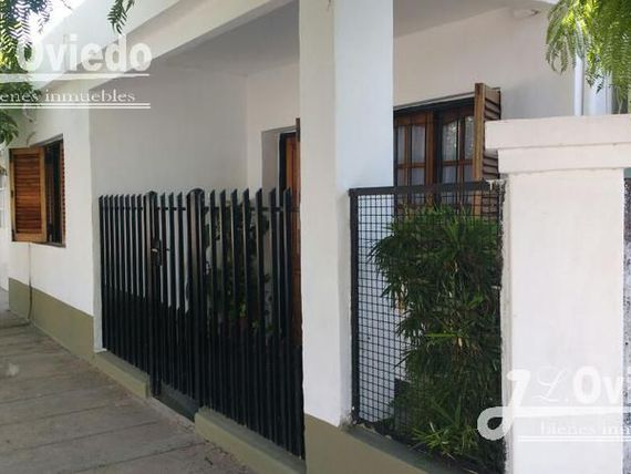 VENDO CASA EN HURLINGHAM AMPLIA FAMILIAR