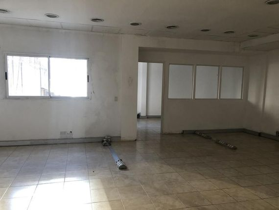 Maipu y Lavalle Edificio en Block con Local PB 1500 m2