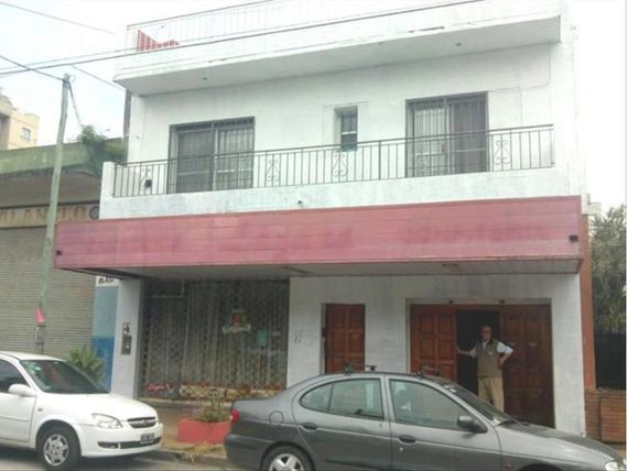 Inte Abel Costa  200 - U$D 300.000 - Local en Venta