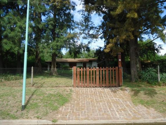 PACHECO: EXCELENTE CASA CALLE CHICLANA, LOTE 1050 MTS