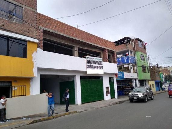ALQUILO LOCAL EN BARRANCO 400 M2