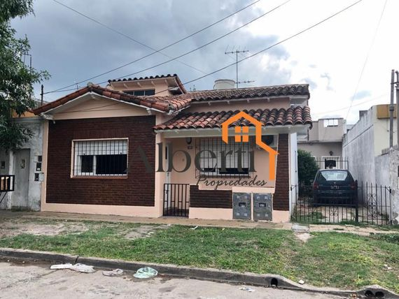 Chalet en PH con amplio patio.