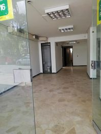 ARRIENDO ESPECTACULAR LOCAL  EN CADIZ