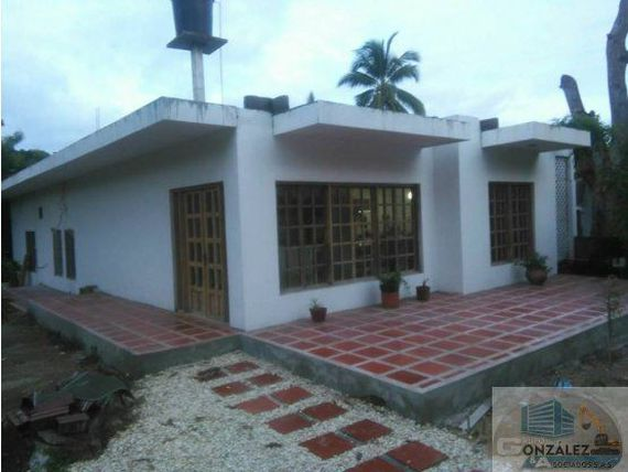 VENDO HERMOSA CASA EN COVEAS.