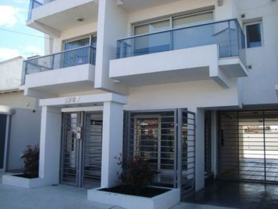 Residencial Chauvin, 3 mb al frente