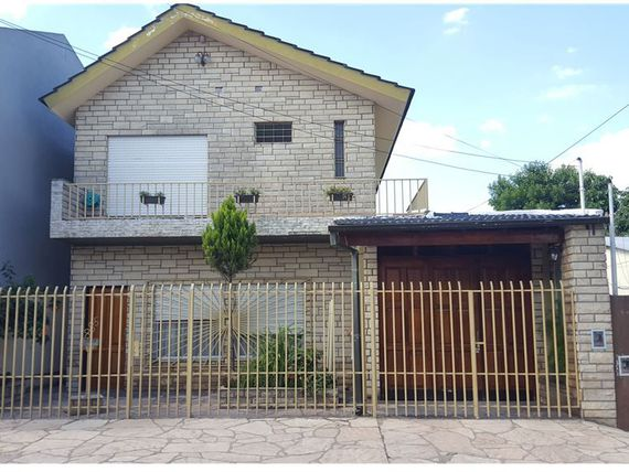 Casa en Moreno Impecable.