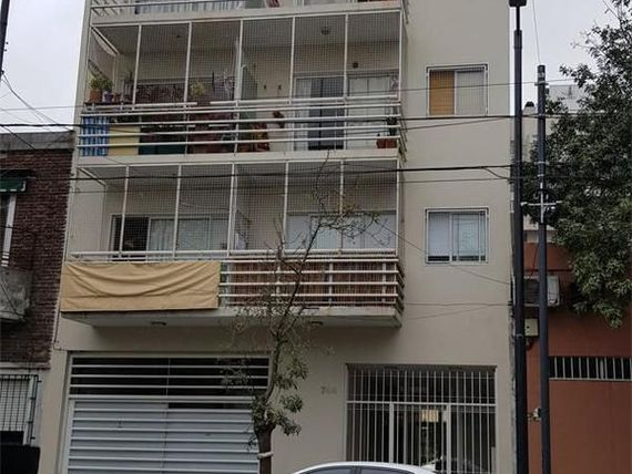 Venta Departamento en Flores Capital Federal Varela 700