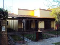 Casa 3 dorm -Lote 10 x 34 mts  - City Bell