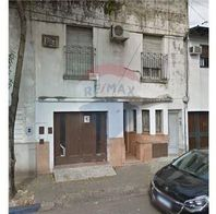Casa al frente, 2 dorm., Cochera, Patio, en PH