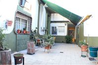 OPORTUNIDAD CASA + PATIO + COCHERA