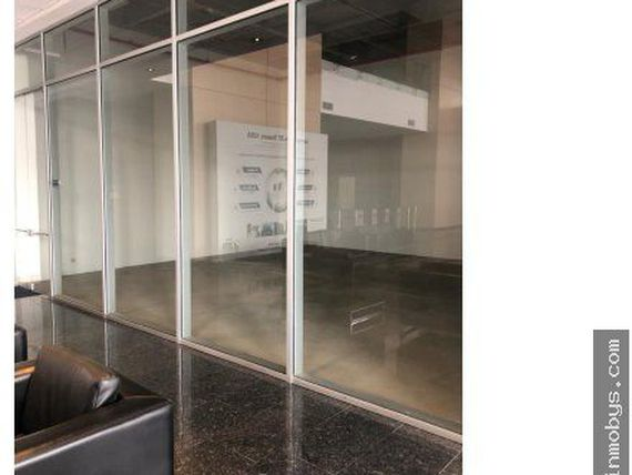 Arriendo Local  de 116 m2 en Ed. ZF TOWERS