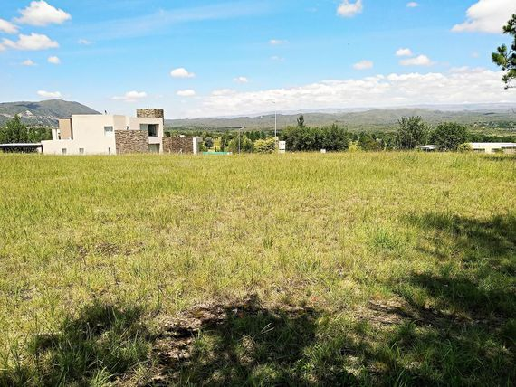 "<span itemprop=""streetAddress"">Terreno En Venta En Villa Carlos Paz Golf Country!!!</span>"