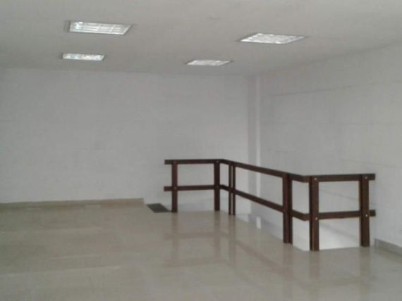 Arriendo Local comercial en importante mall empresarial