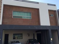 HERMOSA CASA EN CUMBRES ELITE SECTOR AVE * PRIVADA