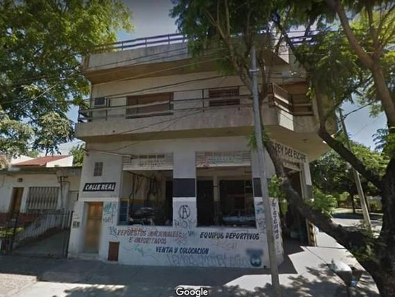 VENTA – LOCAL + VIVIENDA – SOLIS Y AV. REAL 800 – U$S 190.00