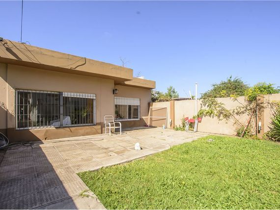 Venta PH entrada independ. 3 amb. JARDIN Ituzaingó