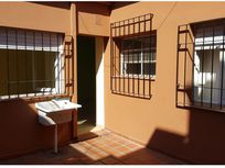 Venta-Depto. de pasillo 1 Dorm. C/ Patio. Alberdi.