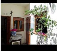 CASA EN VENTA IDEAL 2 FLIAS. EN FLORES
