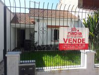 CASA A RECICLAR BARRIO DON BOSCO- OPORTUNIDAD!!!! 4 AMB. CON GARAGE TRIPLE- PATIO- JARDIN- APTO EDIFICIO-