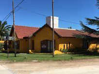 CHALET - CUYO 1598