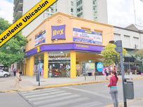Exc Local en Destacable Esquina con Galpon en PA