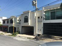 Casa en Venta en Cumbres Elite 2do Sect