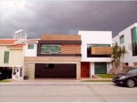 Casa en Venta en FRACC. LA VISTA COUNTRY CLUB